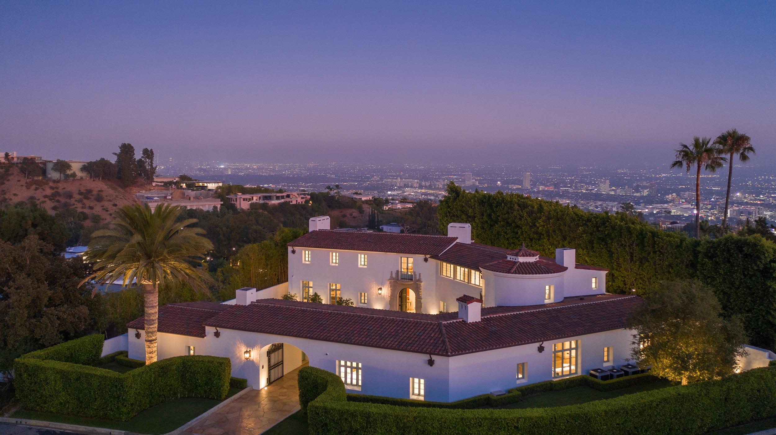 9240 Robin Dr Los Angeles CA 90069